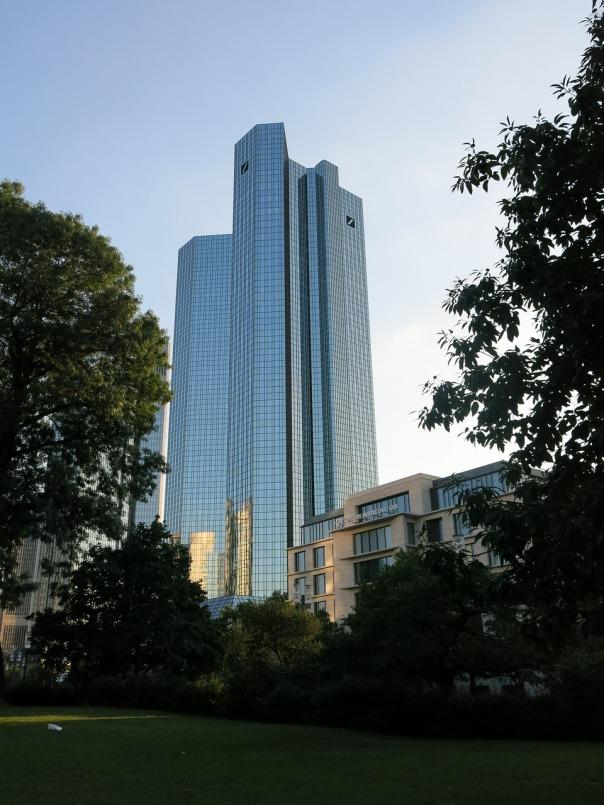 deutsche-bank-456939_1280